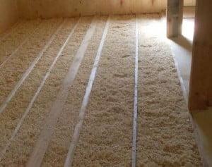 Утеплить потолок в частном доме