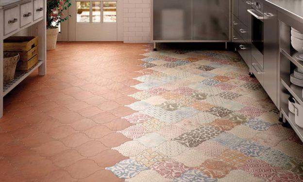 Кухонный пол из разной плитки