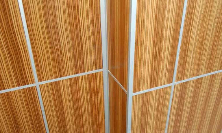 Вариант отделки стен панелями мдф