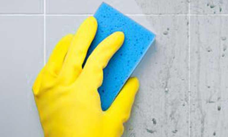Ухаживать за керамической плиткой нужно минимум один раз в месяц