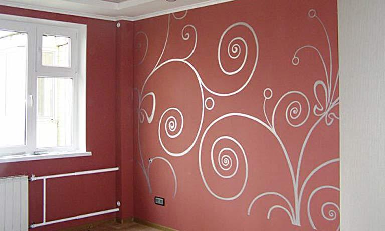 Пример как можно покрасить обои в комнате