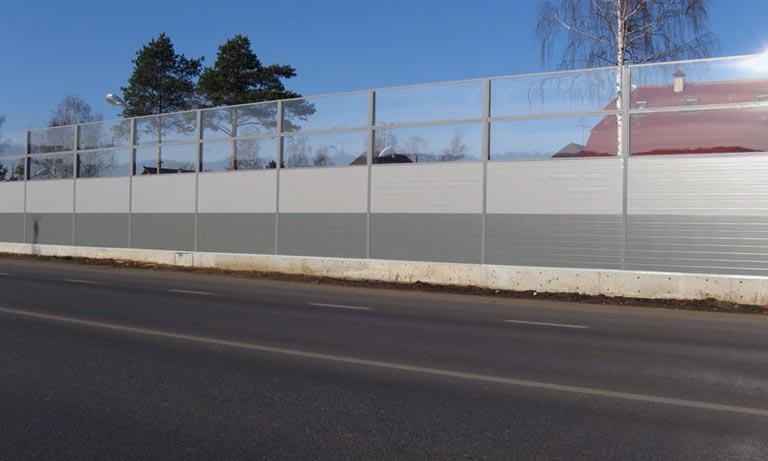 Такие шумопоглащающие заборы устанавливают в Краснодарском крае